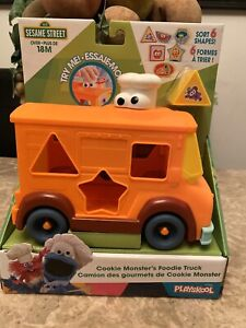 Sesame Street Cookie Monster's Foodie Truck Sesame Shapes Toy 18 Months NEW