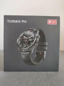 Mobvoi Ticwatch pro Smart watch Bundle  Like new  Heaps of extras