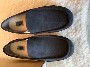 UGG Ascot 1001110 Mens Brand New Suede Sheepskin Slippers, True Navy Sz 11EEE