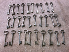 n° 36  Lot 30 clés anciennes de porte serrure clef / déco Clef table de mariage