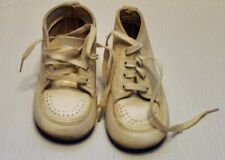 Vintage Childs/Dolls/White Leather Lace Up Shoes