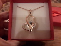 Brand new large18K gold plated heart Necklace with a clear crystal + gift box