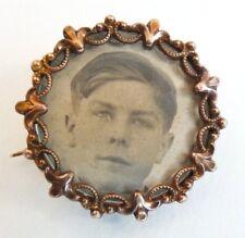 Broche ancienne porte-photo plaqué or et nacre vers 1900