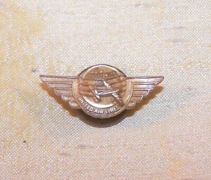 "VINTAGE United Airlines 100,000 miles small screw-back wings pin, 13/16"" wide"