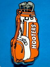 HOOTERS RESTAURANT GIRL GOLF BAG WITH GOLF CLUBS LAPEL PIN