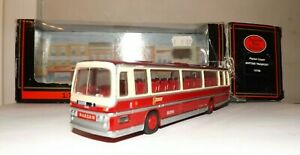 EFE 15706 BARTONS TRANSPORT PLAXTON PANORAMA COACH 4MM 1:76 SCALE