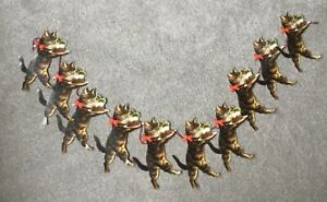 Past Times Christmas Garland 10 Die Cut Christmas Cat & Figgy Pudding Vintage