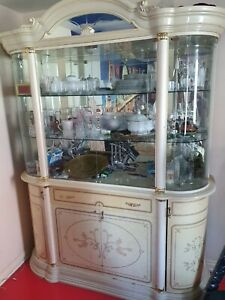 Italian display cabinet used 1 display grass broke while storing it