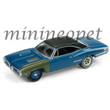JOHNNY LIGHTNING JLCP7080 A 1970 DODGE CORONET SUPER BEE 1/64 BRIGHT BLUE POLY