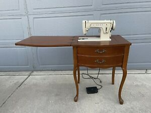 Vintage Singer Sewing Machine Table. Tested, Works Great!!