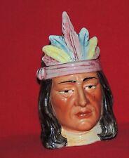 Pot à Tabac. Tête d'indien au diadème. Céramique Majolica. Hauteur 21 cm.