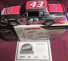 1/24 RCCA-ACTION BRUSHED METAL 1984 GRAND PRIX, 200TH WIN, STP, RICHARD PETTY