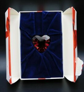 Swarovski Crystal RED HEART 1998 SCS Renewal Gift , excellent condition in box.