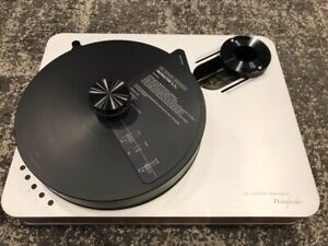 Dr Feickert Analogue Woodpecker Turntable
