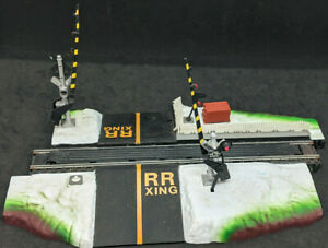 Life Like Train Operating Dual Crossing Gate HO Scale 21313 Power-Loc VINTAGE
