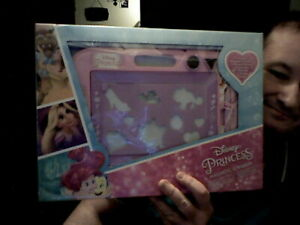 DISNEY PRINCESS MAGNETIC SCRIBBLER ETCH A SKETCH BIRTHDAY CHRISTMAS KIDS DRAWING