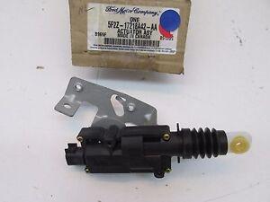 2007 Mercury Monterey OEM Rear Right Door Lock Actuator Motor 5F2Z-17218A42-AA
