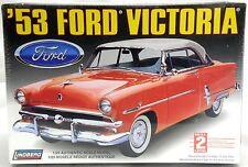 1:25 Scale 1953 Ford Victoria Model Kit - Lindberg #72172