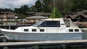1985 Carver Riviera 28' Cabin Cruiser - Missouri