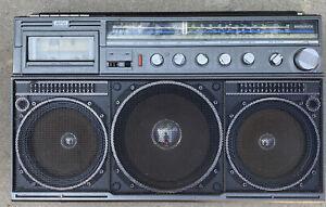 Vintage Magnavox Ghetto Blaster D8443 Power Player Stereo Metal (Please Read)
