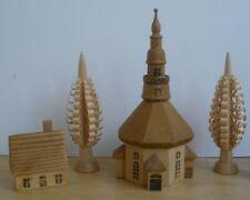 Dregeno Seiffener Bergkirche Kirche Haus Spanbaum Bäume Erzgebirge