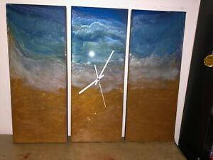 HAND CRAFTED EPOXY RESIN WALL CLOCK
