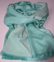 Edler Seiden Schal - Hellgrün, Lindgrün - lässige Eleganz mit 100 % Seide
