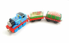 THOMAS THE TANK Take Along Holiday Thomas Candy Cane Car Snow Globe Carriage GUC