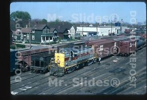 Original Slide EL Erie Lackawanna ALCO RS3 1042 W/Train Cleveland OH 1970