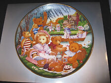 "FRANKLIN MINT HEIRLOOM ""A TEDDY BEAR PICNIC"" PLATE H2519-FINE PORCELAIN 1991 FM"