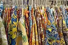 """Tommy Bahama sz Medium (Width = 23-24"""") Silk Short Sleeve Hawaiian Shirts"""