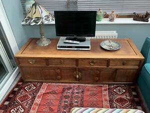 low sideboard / Tv Stand