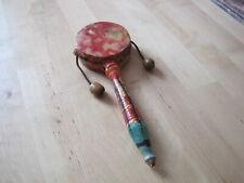 Jouet de bébé  poignet hochet tambour.  Objet vintage