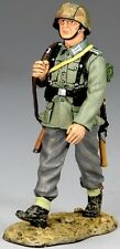 KING & COUNTRY WW2 GERMAN ARMY WS096-01 MARCHING SOLDIER MIB