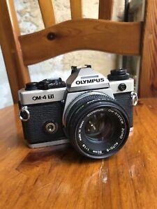 Olympus OM-4 Ti mit Objektiv Olympus Zuiko 50mm 1:1,8