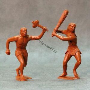 Ark Models AK 80010 Cavemen. Set №1 /2 figures/ (150-mm)