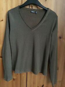 Mexx size L ladies sage green long sleeve v neck t-shirt fits 12/14 good conditi