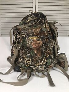 Cabelas Camo Hunting Backpack 70oz Hydration Bladder Great Condition