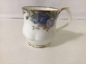 Royal Albert MOONLIGHT ROSES Montrose Mug 1st Quality / England / Mint