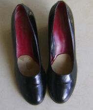 Taryn Rose Classic Black Patent Leather Womens Shoes 40.