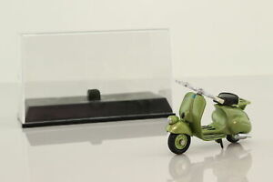 Newray 1:32 Scale; 1948 Vespa 125 Scooter; Metallic Green; Very Good Boxed