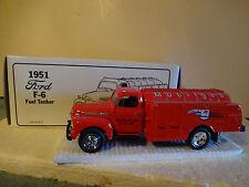 """1992 First Gear-"""" Mobilgas """" 1951 Ford F-6 Fuel Tanker 1/34 29-1028"""