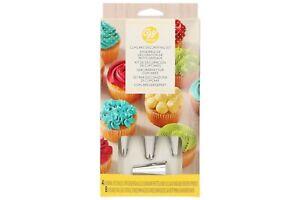 Cupcake Decorating Set 4 nozzles 8 piping bags Wilton