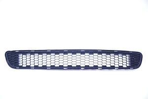 11 12 13 14 15 16 17 2013 Toyota Sienna Lower Grille Used Oem (53112-08010)