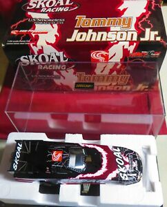 1/24 ACTION 2002 SKOAL BERRY FUNNY CAR, DON PRUDHOMME RACING, TOMMY JOHNSON JR.