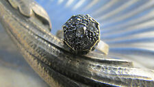 bague en or blanc massif 18 carats poincon ornée de diamants vintage 1950