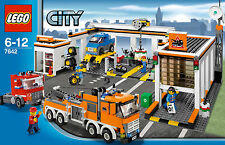 *NEW* LEGO 7642 - CITY TRANSPORTATION GARAGE - NEW IN BOX - VERY NICE CONDITION!