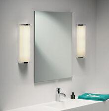 Lámparas de interior de color principal plata de baño