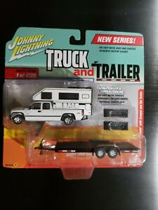 Johnny Lightning Truck And Trailer 2002 Chevy Silverado Version A