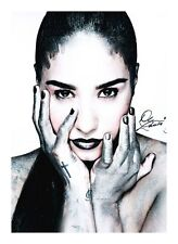 DEMI LOVATO AUTOGRAPHED SIGNED A4 PP POSTER PHOTO 2